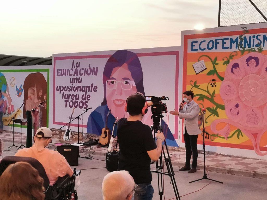 PRESENTACIÓN DEL MURAL COLECTIVO POR LA IGUALDAD.